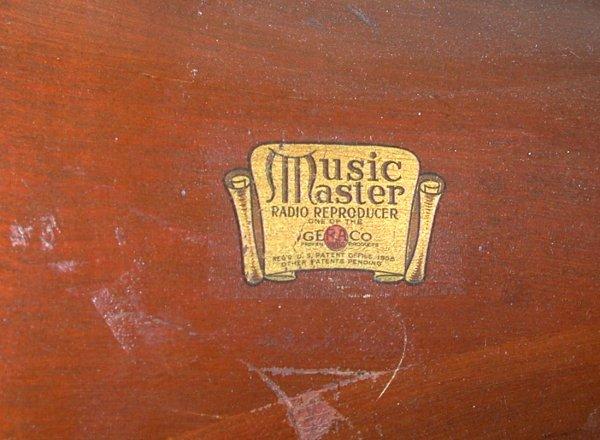 MusicMaster horn badge